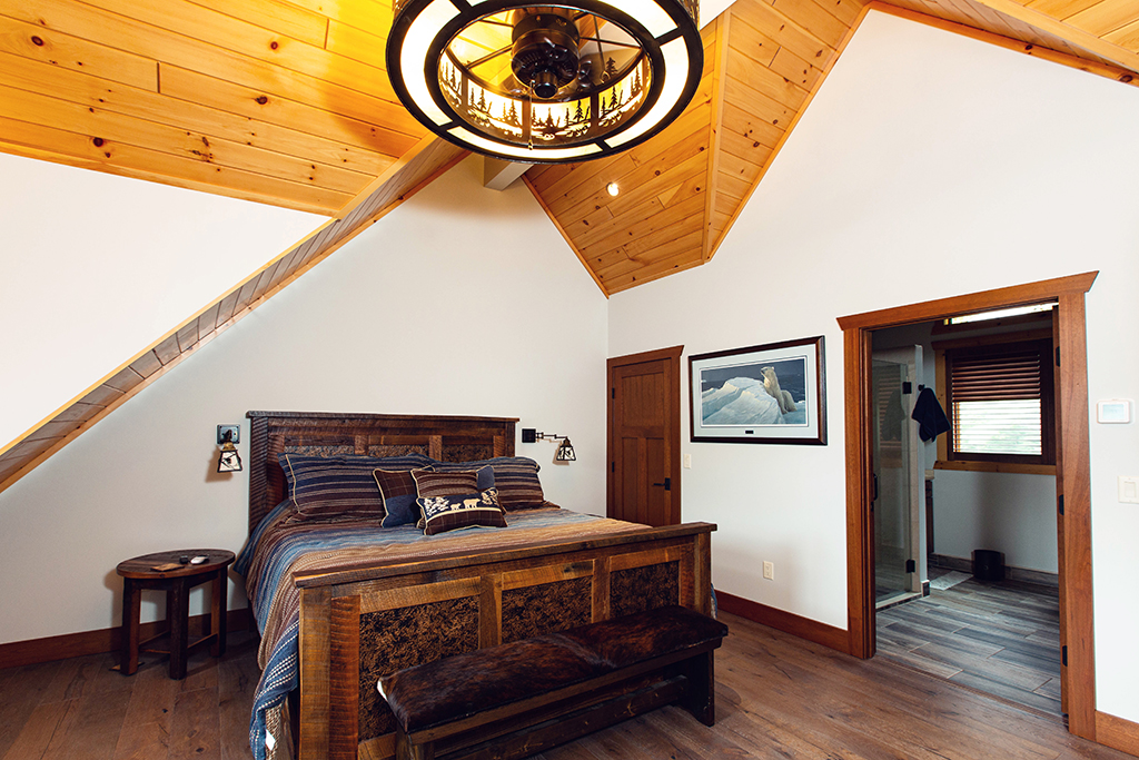 Beaver Mountain Log Homes Kuyahoora Lodge Cedar Hybrid Home Bedroom