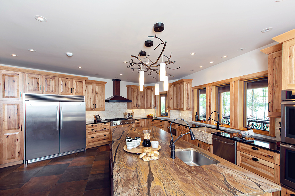Beaver Mountain Log Homes Kuyahoora Lodge Cedar Hybrid Home Kitchen Island