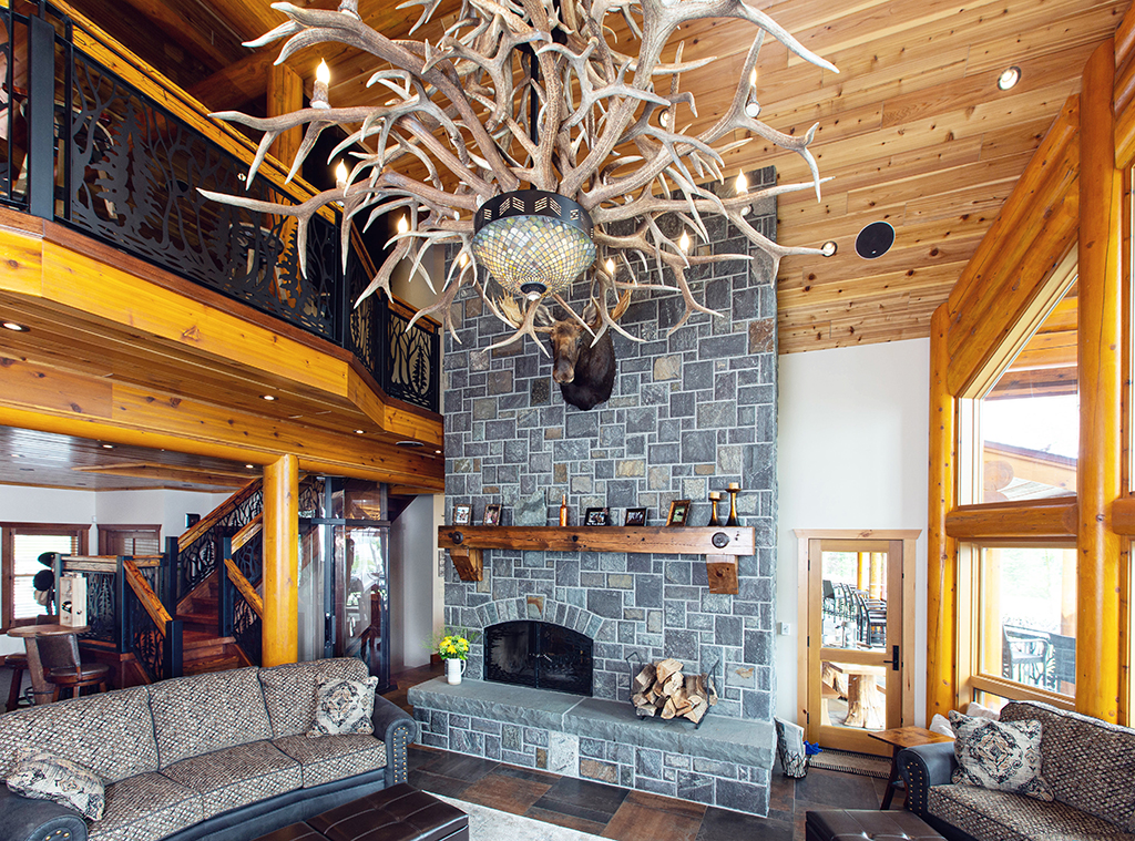 Beaver Mountain Log Homes Kuyahoora Lodge Cedar Hybrid Home Antler Chandelier