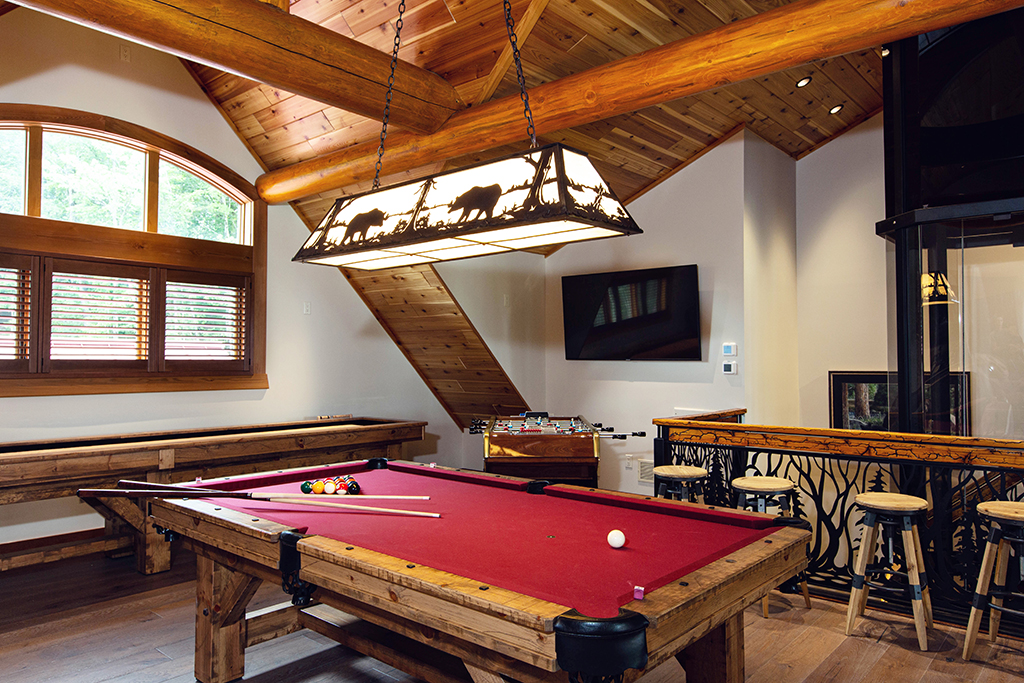 Beaver Mountain Log Homes Kuyahoora Lodge Cedar Hybrid Home Pool Table