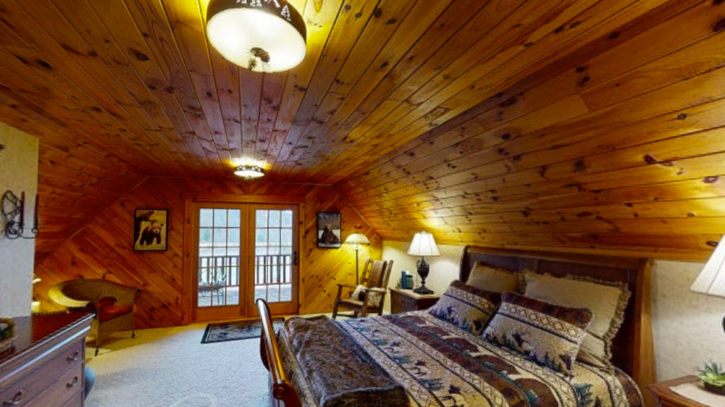 Beaver Mountain Log Homes Classic Lodge Owners Suite